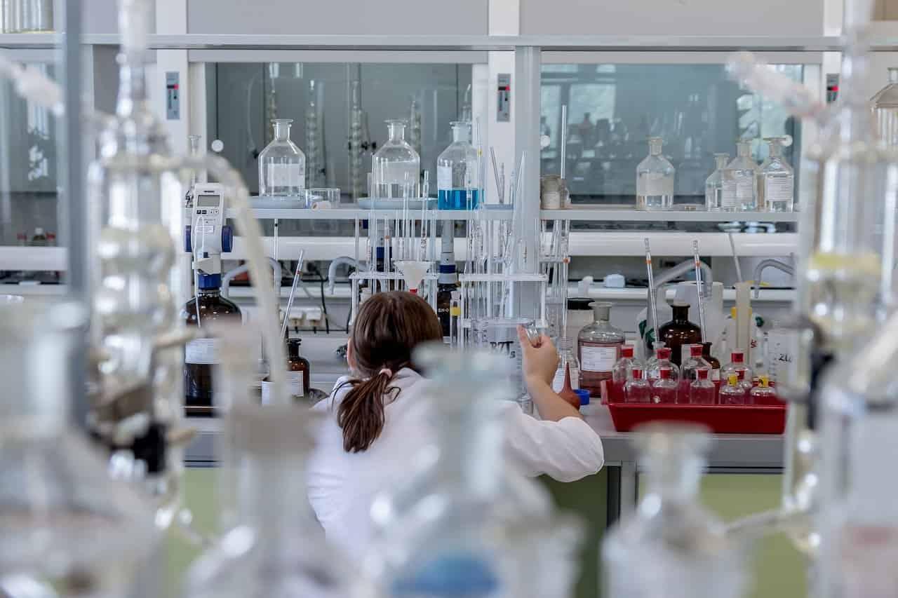 Krzesła laboratoryjne – jak je znaleźć?